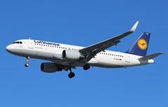 D-AIUQ Airbus A320-214SL Lufthansa (R.K.C. Photography) Tags: daiuq airbus a320214sl a320214 a320 lufthansa lh dlh german aircraft aviation airliner sharklets london england unitedkingdom uk londonheathrowairport lhr egll canoneos100d
