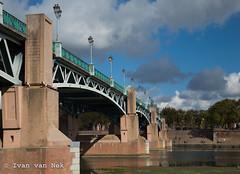 Pont Saint-Pierre, Toulouse (Ivan van Nek) Tags: pontsaintpierre toulouse passerelledelaviguerie hautegaronne france 32 frankrijk frankreich nikon d3200 nikond3200 bridge pont redbricks architecture architectuur architektur midipyrénées occitanie