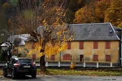 Tardor (Enllasez - Enric LLaó) Tags: francia france frança casa coche otoño tardor pirineus pirineos