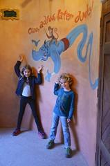 The Kids AndThe Genie (Joe Shlabotnik) Tags: disneyland disneylandparis violet everett paris france april2018 eurodisney genie disney 2018 afsdxvrzoomnikkor18105mmf3556ged