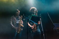 Sobre la hora (Sol Caseres) Tags: musicos banda bandaderock rock shows