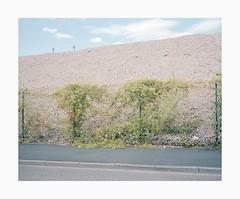 Leverkusen, 2018 (Darius Urbanek) Tags: analog mediumformat color film portra400 mamiya7 germany kodak 65mm 6x7 leverkusen fence 120