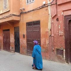 morocco 2014 (gerben more) Tags: morocco marokko marrakech marrakesh woman streetscene street
