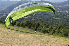 Gleitschirmflieger (##thomas##) Tags: gleitschirmfliegen paragliding badenbaden merkur
