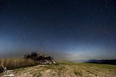 Castel San Giovanni, Umbria Italy (simone_aramini) Tags: nikon landcape astrophotography nightlight nightscapes mountain stars paesaggi nikond200 d810 sigmalens longexposure milkyway appennino umbria rural fields