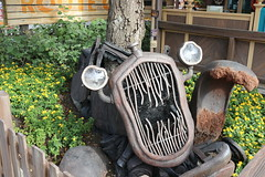 "Cars Land at Halloween • <a style=""font-size:0.8em;"" href=""http://www.flickr.com/photos/28558260@N04/31108992847/"" target=""_blank"">View on Flickr</a>"