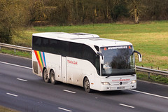 Humphries, Datchet (BE) - BX64 CZU (peco59) Tags: bx64czu mercedesbenz mercedes tourismom tourismo humphriesdatchet coachmiles trafalgartours psv pcv coach