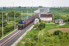 HZ 2062 105, Velika Gorica - Turopolje (josip_petrlic) Tags: hž hrvatske željeznice croatian railways railway railroad ferrovia eisenbahn željeznica železnice emd gm g26c diesel locomotive lokomotive lokomotiva teretni vlak freight train hz 2062 turner licanka