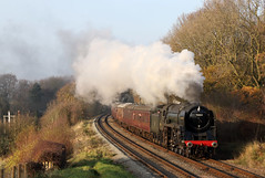 Cromwells Swansong (Andrew Edkins) Tags: 70013 olivercromwell britanniaclass brstandard pacific kinchleylane greatcentralrailway preservedrailway canon geotagged light leicestershire england uk passenger travel trip steamtrain november 2018 winter steamgala
