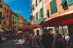 Impressioni di settembre (.KiLTRo.) Tags: kiltro it italy italia laspezia vernazza town color colour people street house alley