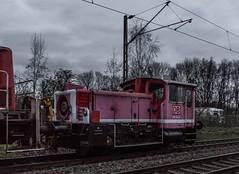 12_2019_01_15_Gelsenkirchen_Bismarck_3294_792_mit_3335_124_Lz ➡️ Herne_Abzw_Crange (ruhrpott.sprinter) Tags: ruhrpott sprinter deutschland germany allmangne nrw ruhrgebiet gelsenkirchen lokomotive locomotives eisenbahn railroad rail zug train reisezug passenger güter cargo freight fret bismarck bottropsüd db hctor rpool sbbc 247 0632 1266 3294 3335 4482 6151 6185 6241 ecr rb42 hochspannungsmast kraftwerk herne dorsten dortmund logo natur ouftdoor graffiti