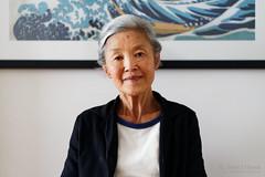 20181112-20-Mum with The Great Wave off Kanagawa (Roger T Wong) Tags: 2018 australia hobart rogertwong sel85f18z sony85mmf18 sonya7iii sonyalpha7iii sonyfe85mmf18 sonyilce7m3 tasmania person portrait