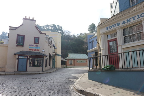 "Universal Studios Backlot: Little Europe / Court of Miracles • <a style=""font-size:0.8em;"" href=""http://www.flickr.com/photos/28558260@N04/44361758600/"" target=""_blank"">View on Flickr</a>"
