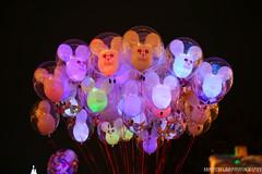 IMG_7396 (mrusc96) Tags: disneyland disney christmas balloon balloons themepark magickingdom canon 6d canon6d eos 50mm