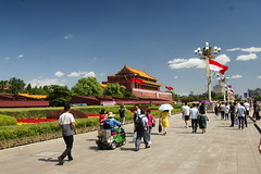 Tiananmen (Simon Chorley) Tags: holiday beijing china chn geo:lat=3990643964 geo:lon=11638874568 geotagged peking