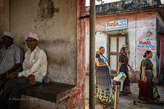 VANAKBARA : SUR LES QUAIS (pierre.arnoldi) Tags: diu gujarat inde pierrearnoldi artistequébécois photographequébécois vanakbara photographeronflickr photographeroninstagram canon6d on1photoraw2018