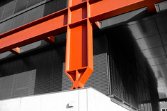 DSCF1852 (Altgott) Tags: mirrors edge black white red orange hamburg hafencity