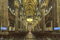 Duomo [IT] (ta92310) Tags: travel europe italie italia italy lombardia lombardie milan milano winter 2019 longexposure duomo cathedral catholic catholique place architecture morning matin piazza inside interieur interior