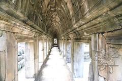 Angkor_Baphuon_2014_09