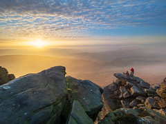 Afternoon light on Stanage (Stephen Elliott Photography) Tags: peakdistrict hopevalley hathersage stanageedge winter sunset climbers rocks mist olympus em1 714mm kase filters