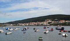 Corcubión - La Coruña (Luisa Gila Merino) Tags: galicia nubes población barcos pueblo