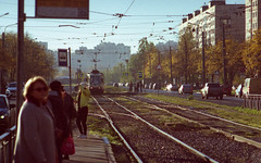 Saint-petersburg morning (vitalyperov) Tags: russia saintpetersburg tram transport street pentax mz10 kodak film
