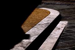 gradini (steps) (pjarc) Tags: europe europa italy italia toscana tuscany pienza gradini steps ombre shadows forme forms colori colors foto photo digital nikon dx 2018