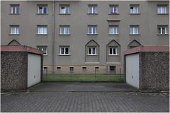 Grüner Hof, Köln-Mauenheim 3 (LichtEinfall) Tags: img8174ghfintw raperre köln mauenheim grünerhof wilhelmriphahn wohnanlage gag sozialebauten architektur