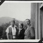 A2-339 Barfüßer Album, Haus Hainstein Familienfotos, 1920-1940 thumbnail