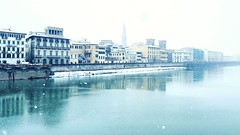 from Ponte Santa Trinita (Go Ciop Go) Tags: firenze florence toscana tuscany italia italy neve snow nevicata snowfall inverno winter 2018 arno lungarno fiume river