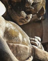 Cementerio de la Recoleta, Recoleta. (Ramona Anitsuga) Tags: cementerio cemetery cimitero cementeriodelarecoleta recoleta buenosaires argentina sculpture escultura niño kid art arte artphotography