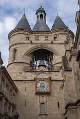 La Grosse Cloche, Bordeaux, France (Tiphaine Rolland) Tags: bordeaux france gironde autumn automne 2018 nikond3000 nikon d3000 lagrossecloche thebigbellofbordeaux tower tour cloche bell clock horloge porte gate door