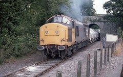 COOMBE JUNCTION MEMORY (Malvern Firebrand) Tags: outdoors cornwall 37196 37xxx class37 trepolpen tre pol pen chinaclay china clay wagons 1986 21786 westcountry countryside rural scenic coombe junction halt bridge hoods freight 5plank loaded lever hut railwayman fencing smoky clagging