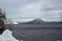 Installation de l'hiver (BLEUnord) Tags: lac lake jacquescartier parc park laurentides laurentians parcdeslaurentides hiver winter neige snow montagnes mountains arbres trees