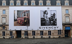 "Givenchy • <a style=""font-size:0.8em;"" href=""http://www.flickr.com/photos/45090765@N05/44959819734/"" target=""_blank"">View on Flickr</a>"