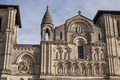Église Sainte-Croix, Bordeaux, France (Tiphaine Rolland) Tags: bordeaux france gironde autumn automne 2018 nikond3000 nikon d3000 churchoftheholycross églisesaintecroix église church roman romane