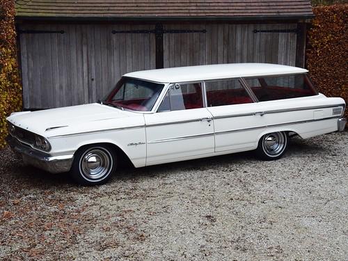Ford Galaxie Country Sedan (1963).