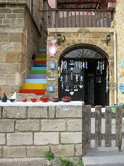 Souvenir shop (pefkosmad) Tags: rhodes rodos rhodesoldtown rhodestown backstreets holiday vacation vacances exploring cats feralcats greece greekislands griechenland dodecanese town wall stairs steps door