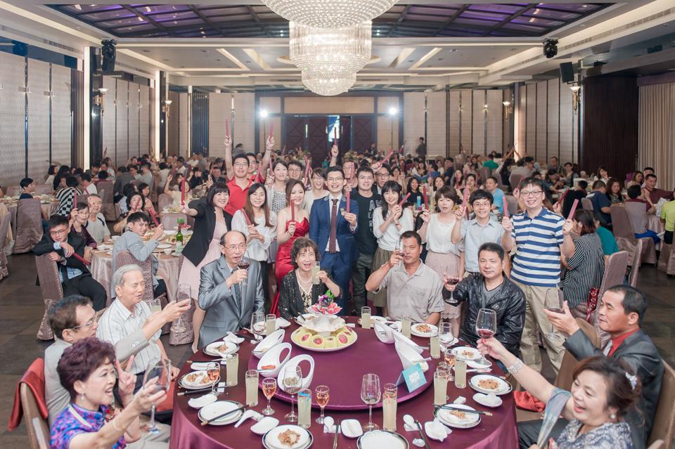 台南東東宴會式場 婚宴 走在幸福的紅毯上 R & B 134