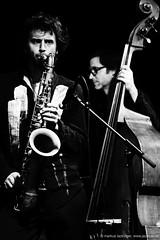 Johannes Schleiermacher: sax / Oliver Potratz: bass (jazzfoto.at) Tags: sonya77m2 alpha77ii sonyalpha sonyalpha77ii sw bw schwarzweiss blackandwhite blackwhite noirblanc bianconero biancoenero blancoynegro zwartwit pretoebranco jazzit2018 greatjazzvenue greatjazzvenue2018 downbeatgreatjazzvenue salzburg salisburgo salzbourg salzburgo austria autriche jazzsalzburg jazzitmusikclubsalzburg jazzitmusikclub jazzclubsalzburg jazzkellersalzburg jazzclub jazzkeller wwwjazzfotoat jazzfoto jazzfotos jazzphotos markuslackinger jazzlive livejazz konzertfoto concertphoto liveinconcert blitzlos ohneblitz noflash withoutflash concert konzert concerto