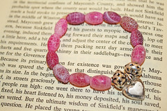 Fushcia frosted bead charm bracelet (Bits of Clay) Tags: handmade bracelet fushcia bead charm ooak