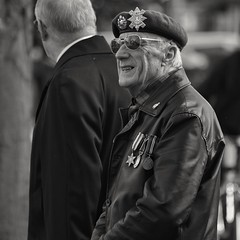 Remembering. (Steve.T.) Tags: blackandwhite remembrancesunday remembrance lestweforget remembranceday veteran veteransday sunglasses beret nikon d7200 sigma70300 witham essex character exservices oldsoldier candid medals decorated highlydecorated