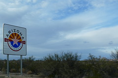 Entering Arizona (ivlys) Tags: usa newmexico arizona grenze border berge mountains schnee snow himmel sky wolken clouds landschaft landscape natur nature ivlys
