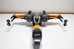 (Improved) Poe Dameron's X-wing: Front View (Evrant) Tags: lego star wars custom x wing t70 t 70 moc bb8 poe dameron black one spaceship starship ship starfighter evrant