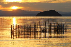 Sunset (Teruhide Tomori) Tags: lakebiwa shiga kohoku landscape winter lake japan japon water afternoon evening nature 琵琶湖 湖北 日本 関西 滋賀県 自然 風景 夕景 sun sunset sky 竹生島 chikubuisland