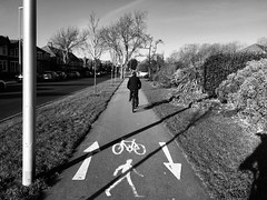 Taith feicio gyntaf y flwyddyn / First bike ride of the year (Rhisiart Hincks) Tags: cyclepath ziklobide llwybrbeicio raonrothar rianrothar roudenndivrodegoù rutadelcicloturisme jalgrattatee njiayamzunguko ciclopista kerékpárútvonal dviračiotakas radweg veloceliņš fietspad cyklostezka blancinegre duagwyn gwennhadu dubhagusgeal dubhagusbán blackandwhite bw zuribeltz blancetnoir blackwhite monochrome unlliw blancoynegro zwartwit sortoghvid μαύροκαιάσπρο feketeésfehér juodairbalta sirgaerhirfryn lancashire lloegr england sasana brosaoz ingalaterra angleterre inghilterra anglaterra 英国 angletèrra sasainn انجلتــرا anglie ngilandi ue eu ewrop europe eòrpa europa blackpool fylde cyrchfangwyliau holidayresort