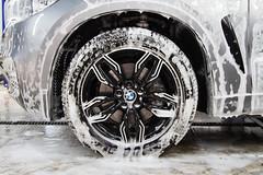 IMG_1267 (Blongman) Tags: auto car vl japan bmw toyota x6m carwash wash water russia 7d