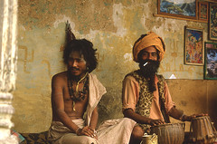 2 SADDHUS (Jean d'Hugues) Tags: népal saddhus sadhus hindouisme hinduism renaissance divin divine moksha renoncer renounce société society