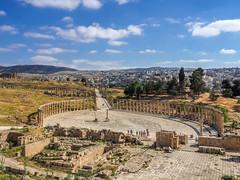 LR Jordan 2017-4240423 (hunbille) Tags: jordan jerash roman city ovalplaza pillar templeofzeus temple zeus oval plaza