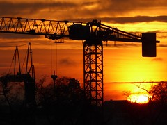 P1130761 (Traud) Tags: kran crane sunset sonnenuntergang bavaria bayern germany deutschland sky himmel kräne cranes silhouette